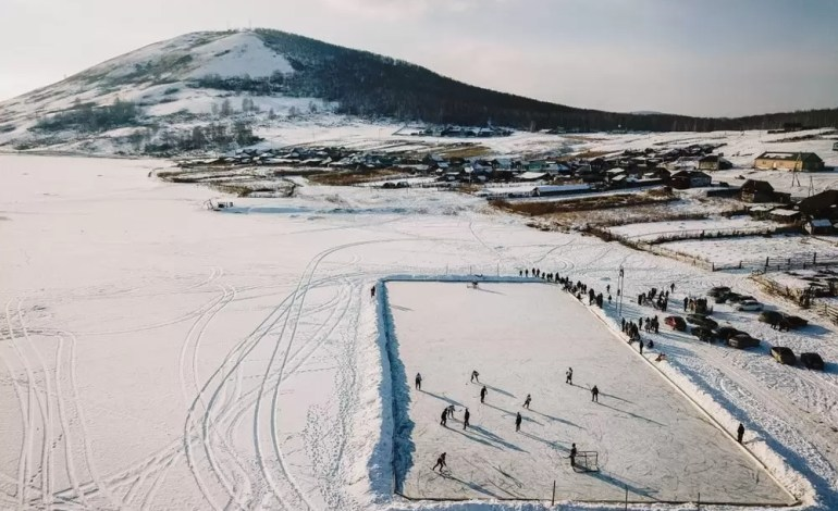 Hokej na wsi w Rosji fot.: Dronestagram / Maksim Tarasov