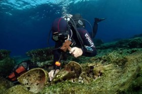 ancient wreck greece diving underwater archeology