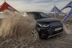 Land Rover Discovery Sport_2_Xiaomi Kite Cup driven by Land Rover