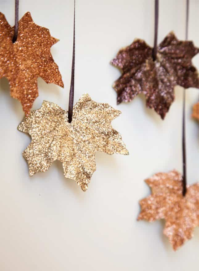 DIY FALLING LEAVES GARLAND