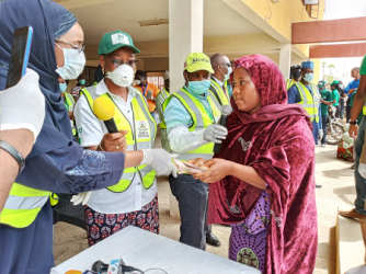 Post Covid-19: FG, WFP distribute cash, food to FCT households