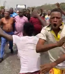 VIDEO: Watch DSS failed attempt to arrest Sunday Igboho