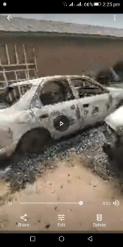 VIDEO: Watch as hoodlums destroy Police zonal  headquarter in Anambra