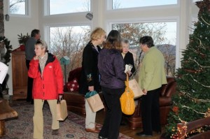 Photos By Paul Purpura NCL ©2008 : Folks got an early taste of the upcoming Christmas season at this weekend's Holiday Home & Wine Tour : Wintergreen Mountain, Virginia