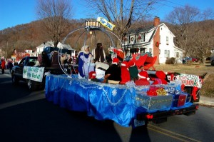 In spite of the very cold temperatures, the floats were flawless, and the crowds excited!