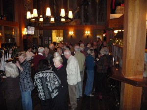 WWC members enjoy a pre-dinner 'social' course in the bar area with passed hors d'oeuvres and red & white wine
