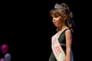 Photo By Ben Hernandez : Tiny Miss Nelson 2008,  Amber Ramsey