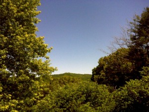 ©2009 NCL Magazine : Beautiful blue skies will continue this week with warming temps right into Memorial Day weekend.