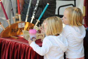 Photo By Paul Purpura : ©2010 www.nelsoncountylife.com : If wine wasn't your thing, maybe it was crafts. Wintergreen also held its annual arts and crafts show in Saturday as well.