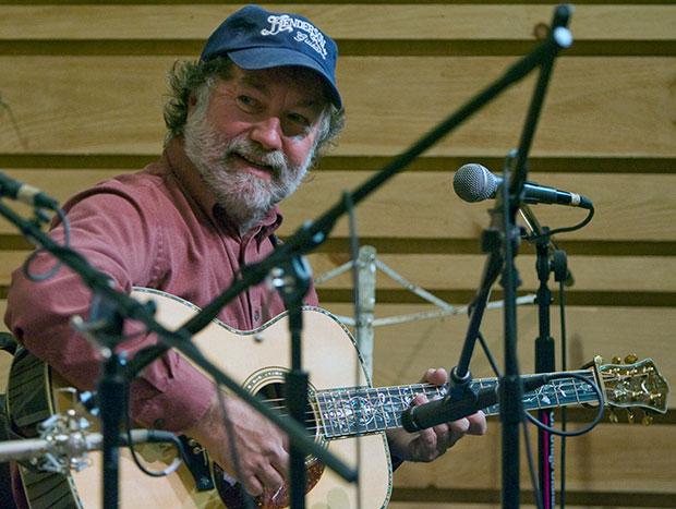 Wayne Henderson in 2008 concert in Floyd