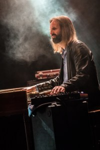 Lorenzo Farrell på orgel