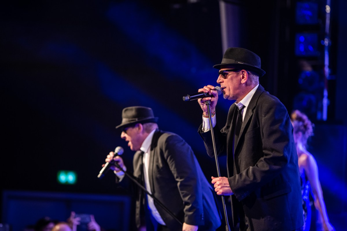 Koncertanmeldelse: The Blues Brothers Souvenir Show, Posten, Odense