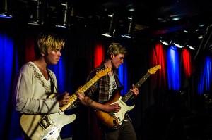 Den norkse guitarist Borny i forgrunden og Frederik Tygesen til højre.