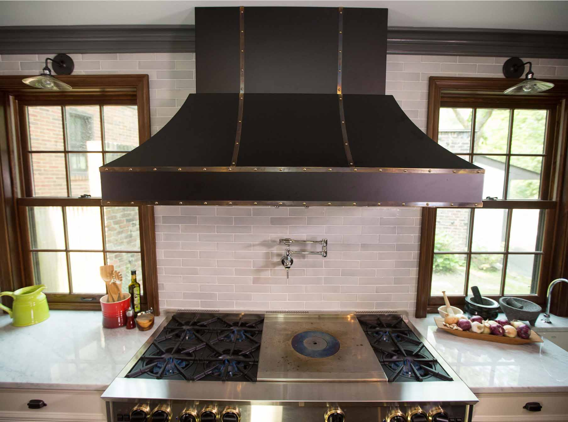 Here are some related professionals and vendors to complement the work of kitchen & bath designers: Designer Hood Gallery - BlueStar