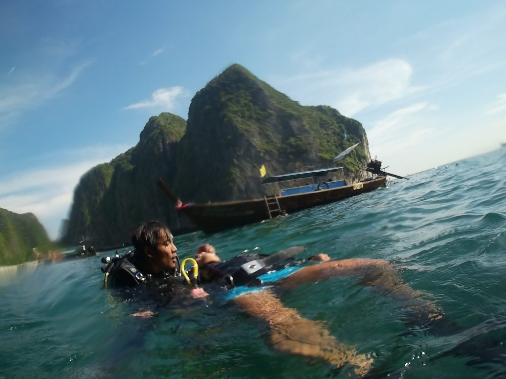 rescue diver dive courses phi phi island