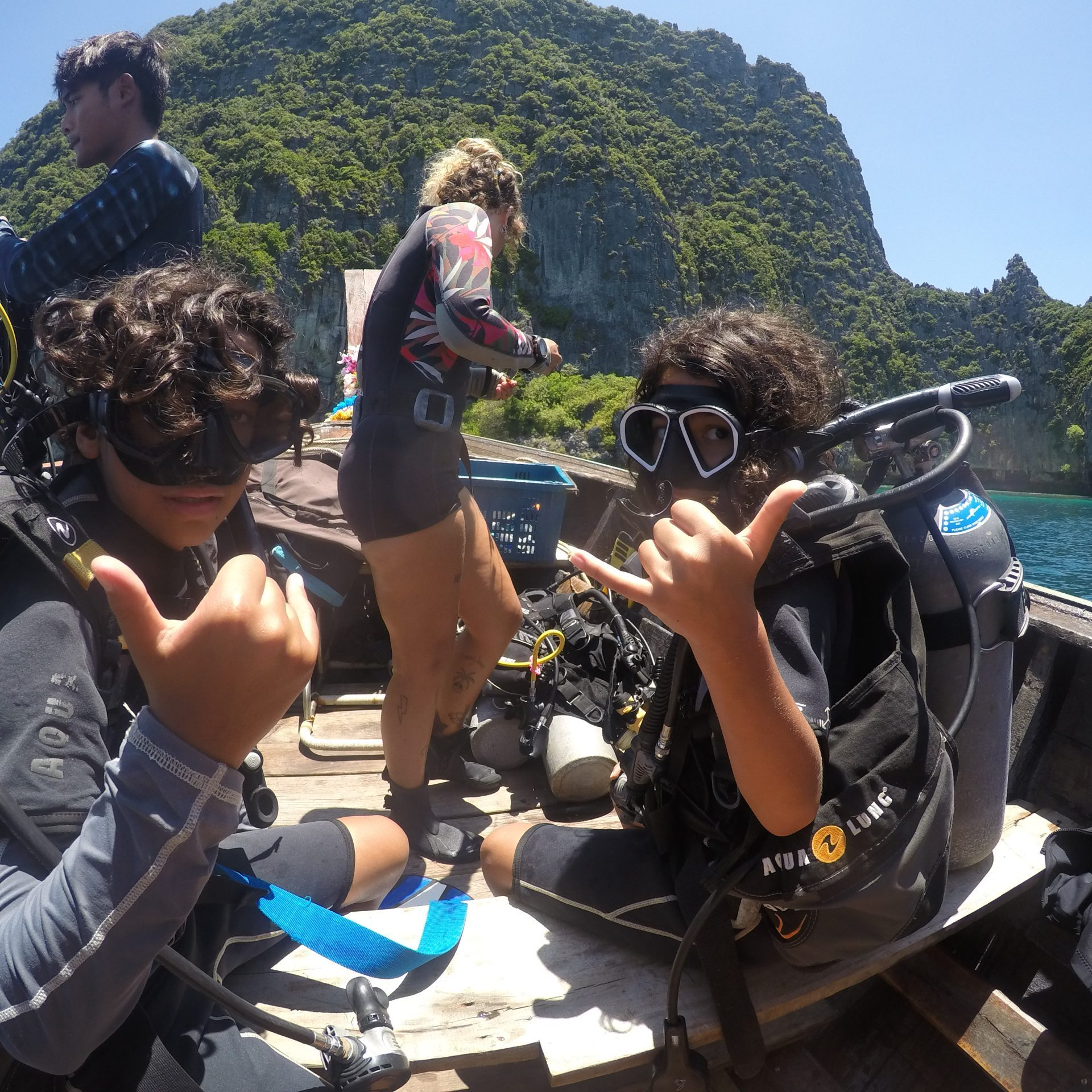 kids diving, phi phi