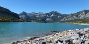 Blue mountaint lake on sunny day in Kananaskis