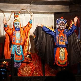 Sichuan opera face changers