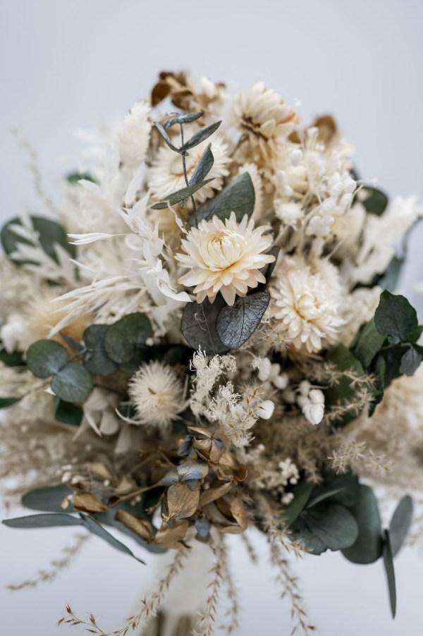 Trockenblumenstaruß