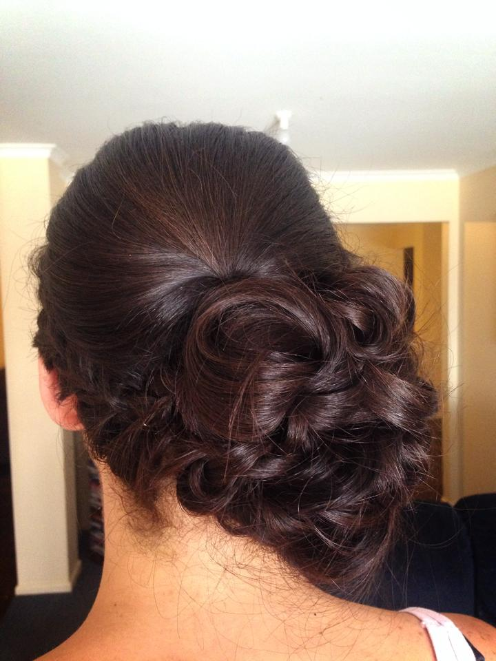 55 Classic Side Bun Ideas For Formal To Casual Occasion