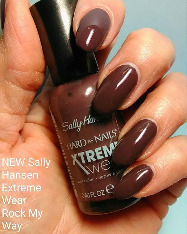 Brown Neutral Nails