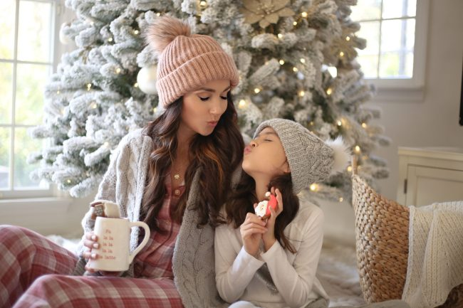 mommy and me holiday pictures, christmas tree, cozy holidays