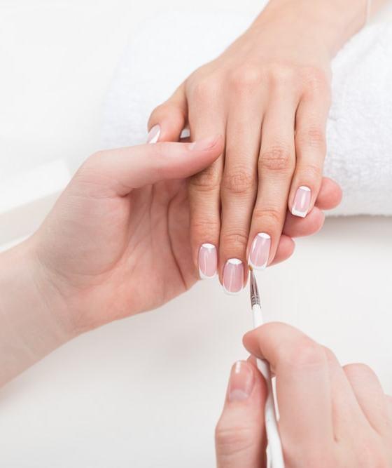 How to repair broken nails in an emergency 1