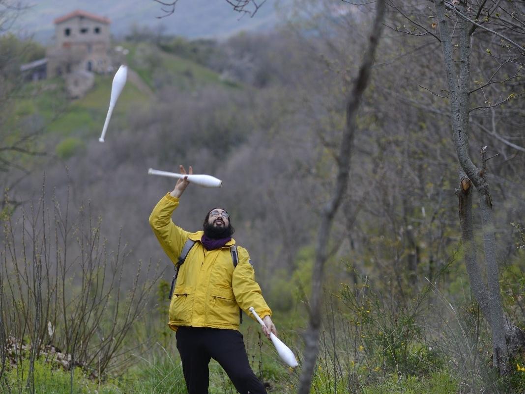 outdoor juggling giocoleria