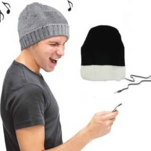 כובע גרב עם אוזניות מובנות גם מחמם וגם משמיע מוזיקה