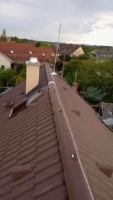 bleskozvod na rodinný dom - Uchytenie bleskozvodovej sústavy na streche rodinného domu