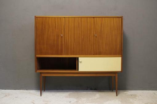 Mobili vintage: credenze e cassettiere
