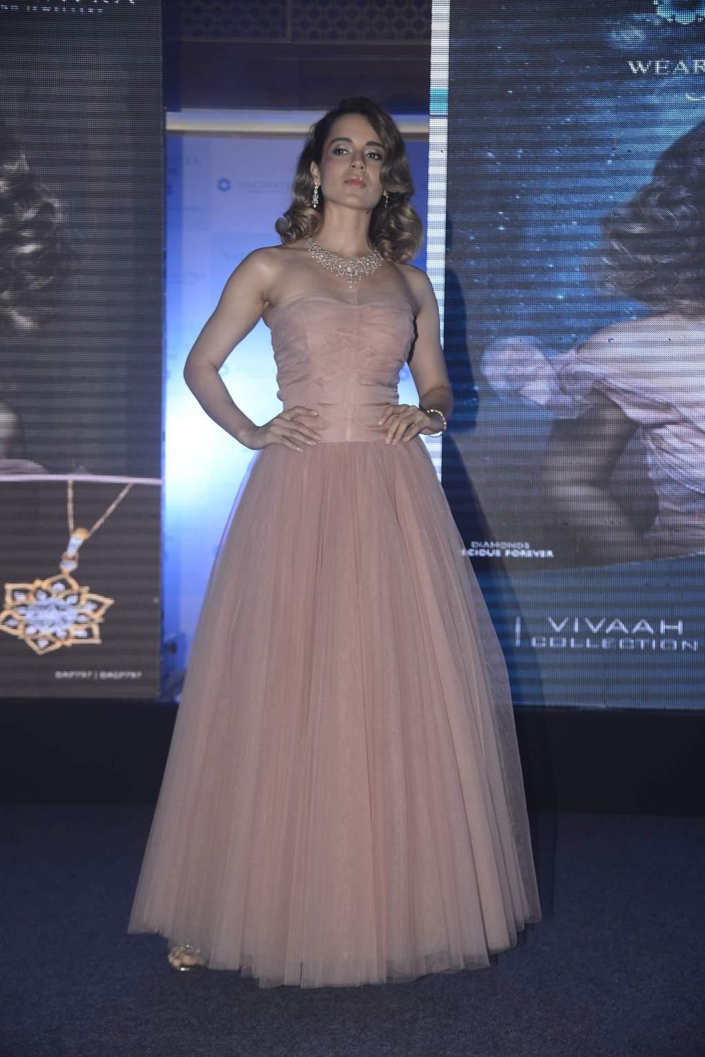Kangana Ranaut Beautiful Kangana Ranaut Dazzles In Stunning Outfit | Nakshatra Kangana Nakshatra 3