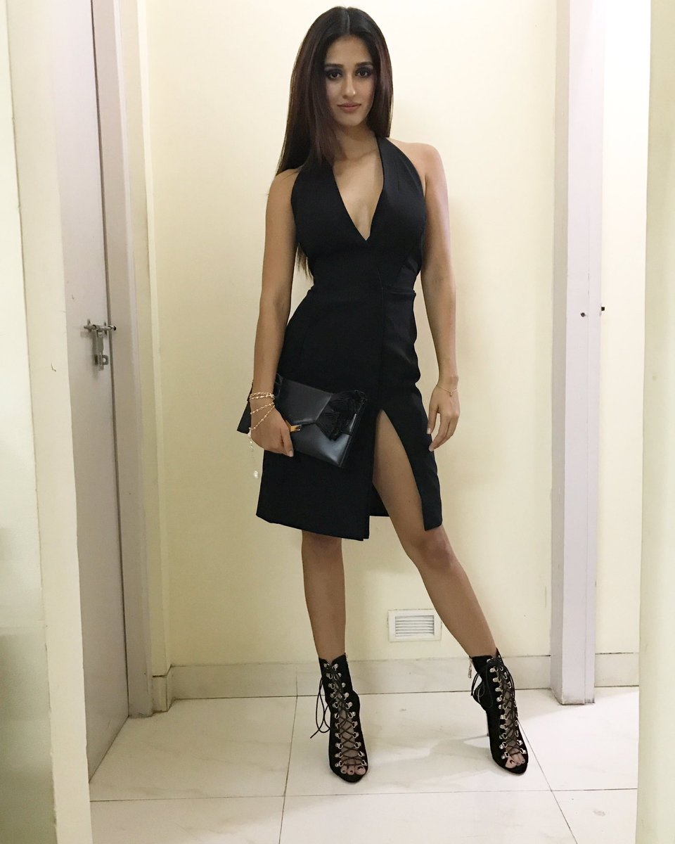 Disha Patani Super HOT Actress Disha Patani Sizzles In Sexy Outfit | Brand New HD Pics Disha Patani Super Hot Photo Stills 18