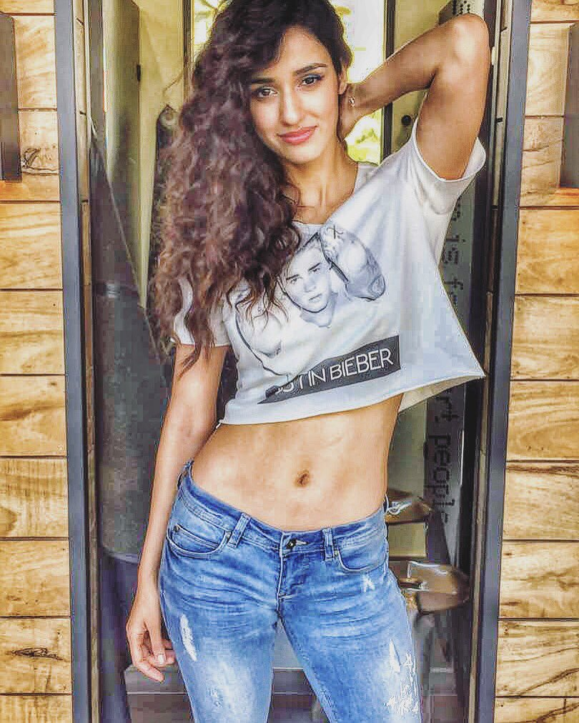 Super HOT Actress Disha Patani Sizzles In Sexy Outfit | Beautiful Indian Actresses  Disha Patani Super HOT Actress Disha Patani Sizzles In Sexy Outfit | Brand New HD Pics Disha Patani Super Hot Photo Stills 9