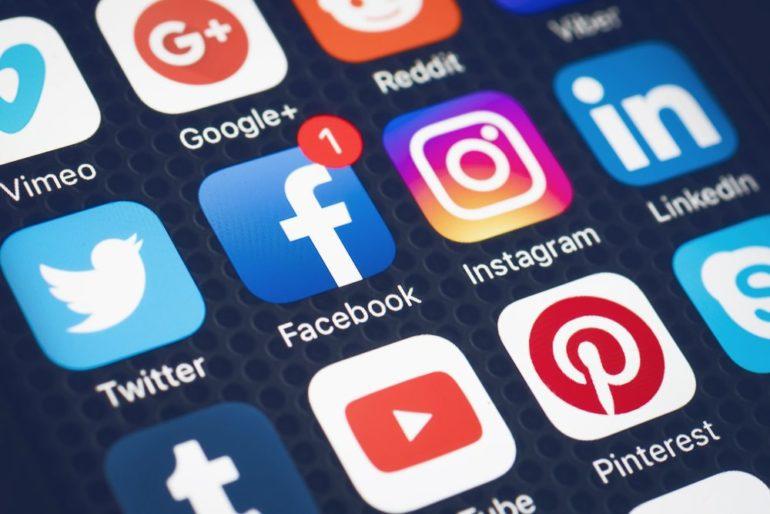 TT :  Meilleures plateformes publicitaires sur les réseaux sociaux pour les petites entreprises , influenceur