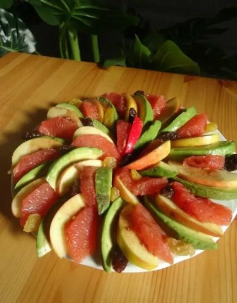 Salade avocat pomme pamplemousse Paléo vinaigrette à la framboise 1