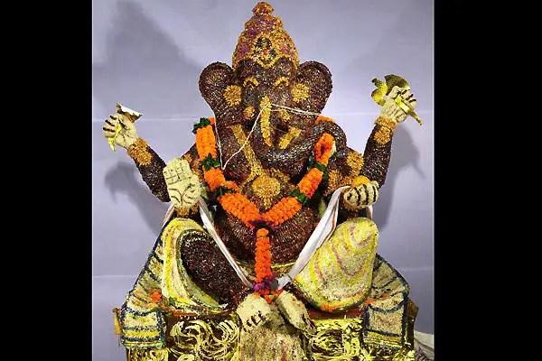 16 Happy And Prosperous Vinayaka Chathurthi 2014: Pictures Of Ganpati Idols And Ganesh Chaturthi In Mumbai