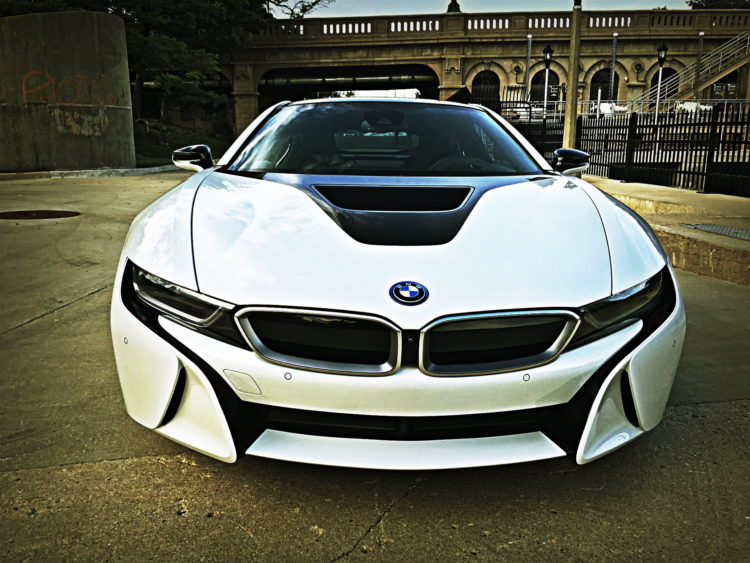 Bon BMW I8 In Crystal White And Aftermarket Parts
