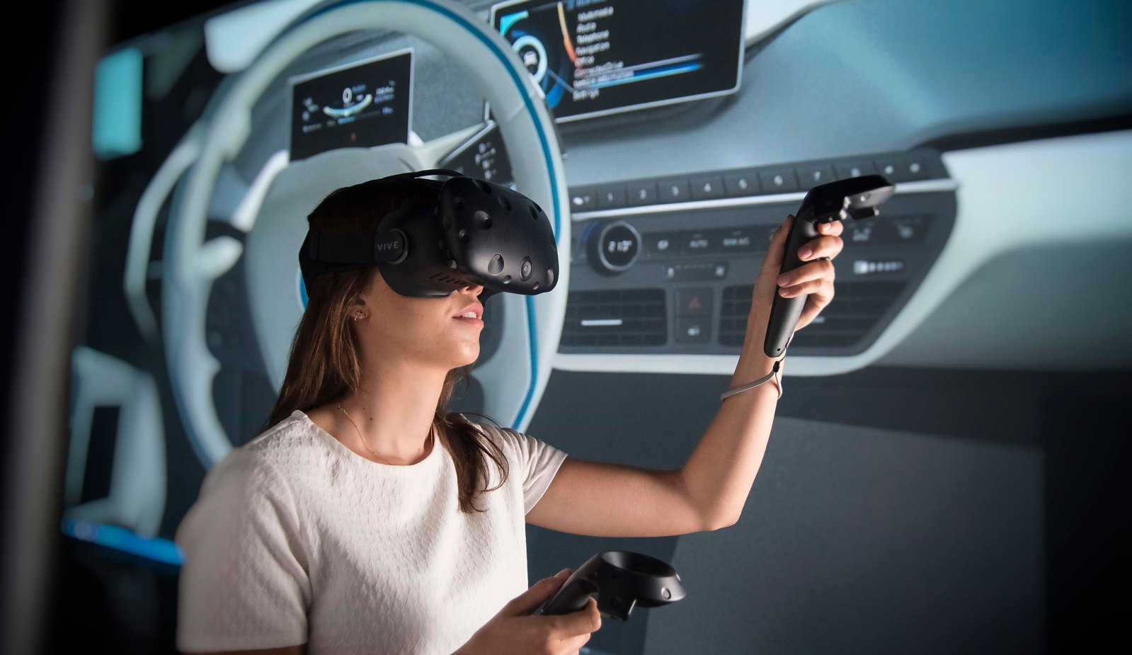 women using virtual reality