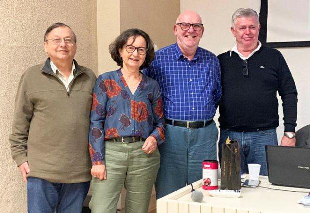 Na tarde de 24 de novembro o público lotou a sala da palestra do professor Israel Blajberg