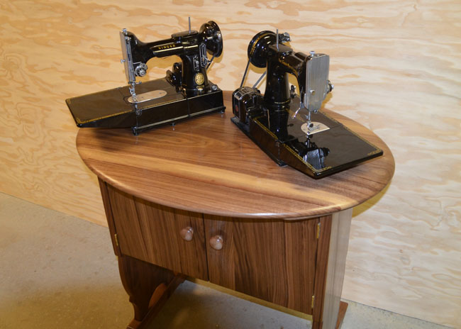 Walnut cabinet for 221 and 222 Machines