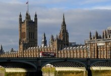 بريطانيا تُخفف قواعد الحجر الصحي وتفتح أبوابها لـ4 دول