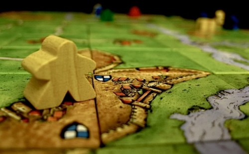 Carcassonne-board-and-piece
