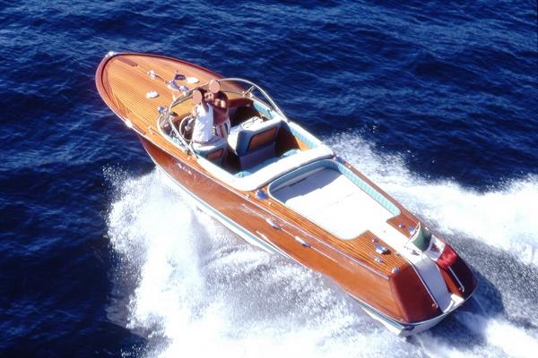 Charter Yacht Riva Aquarama Special Day Charter Lake