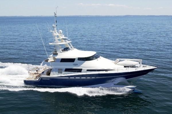 Luxury Charter Yacht ULTIMATE LADY - Wavepiercer 28 - 4 ...