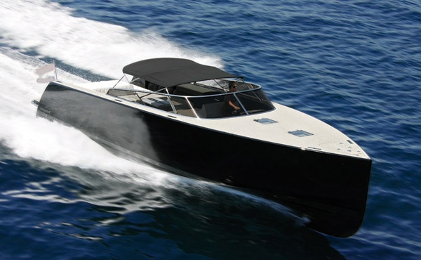 Crewed Motor Yacht PURE DUTCH Van Dutch 40 Day Charter