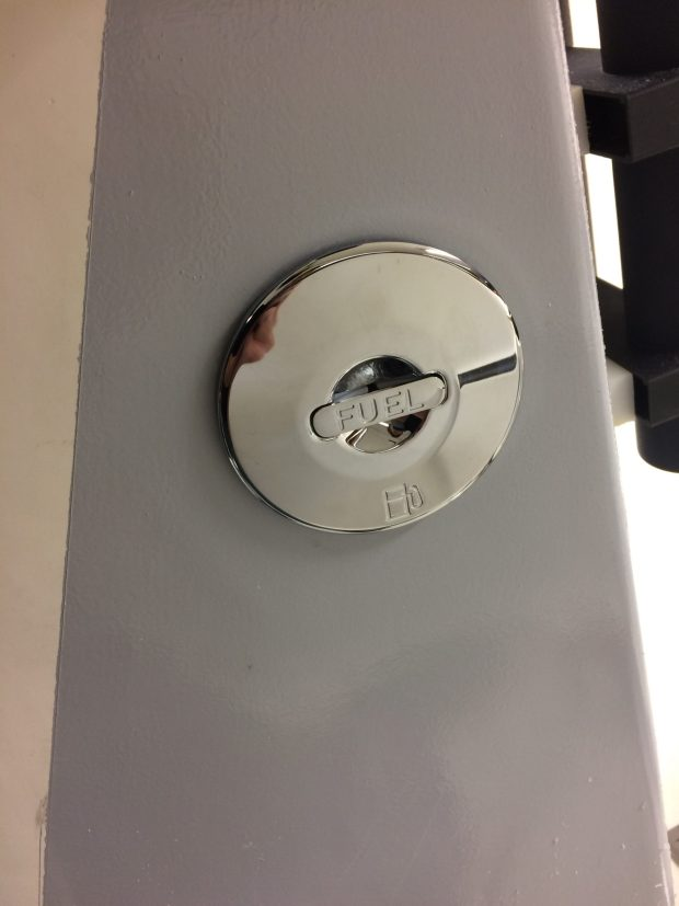 Installer un réservoir fixe dans son bateau Fichier_00344-scaled