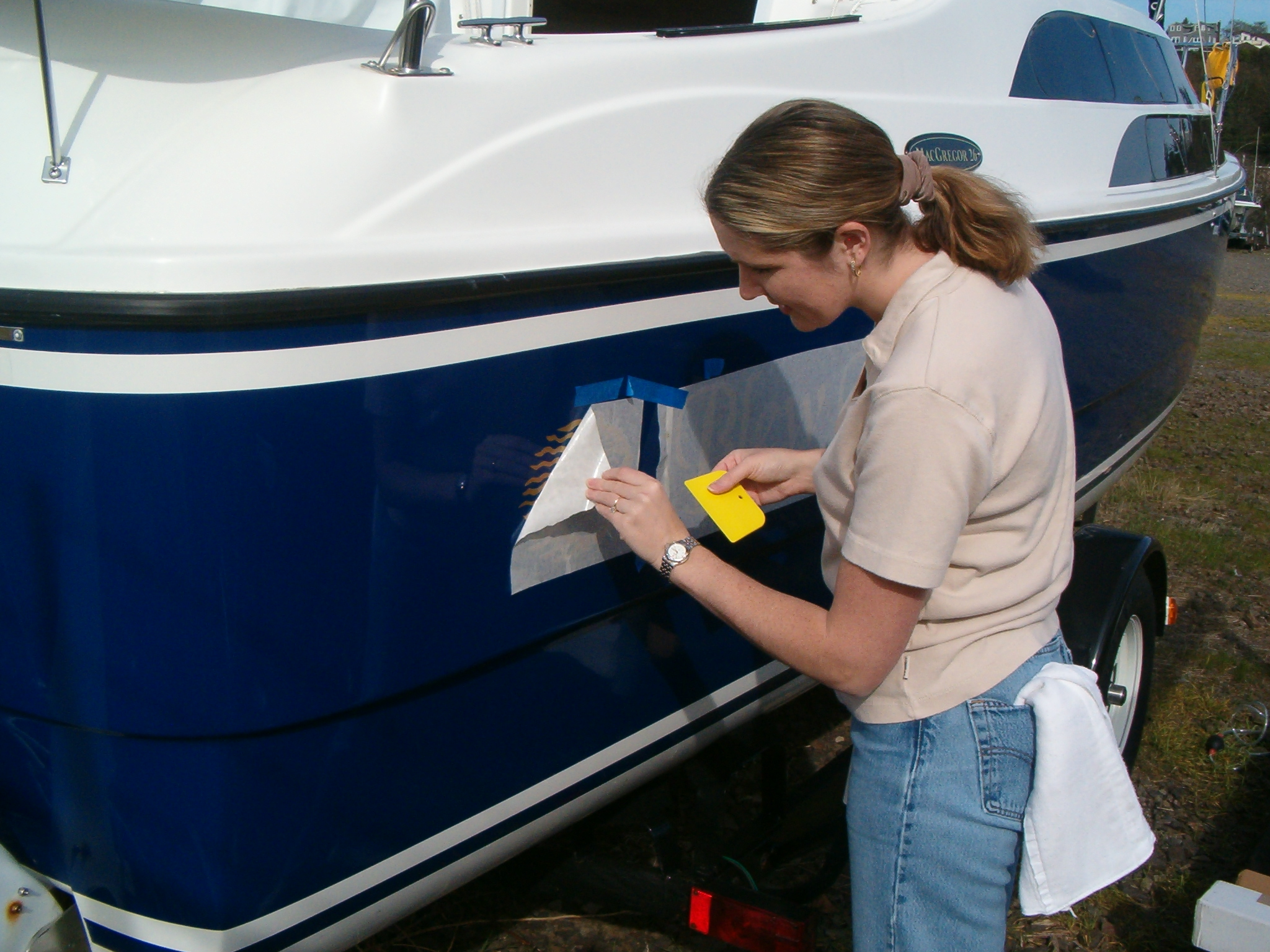 How to Remove Boat Decals - Boat Life