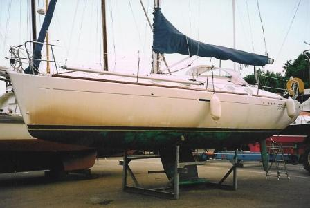 Boat Hull Cleaning and Waxing Tips - Boat Life