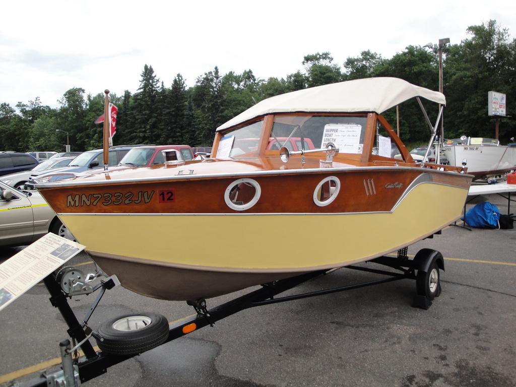 Classic Fiberglass Boat Restoration Tips - Boat Life